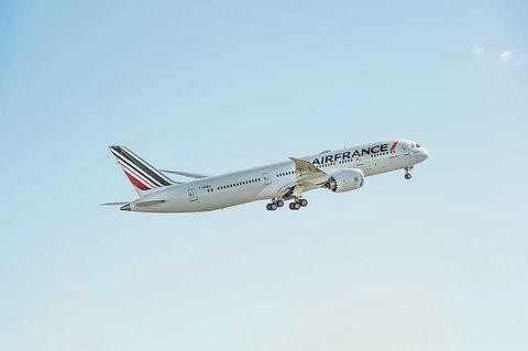 フランス エール パリ⇔東京往復!日本航空(JAL)とエールフランスの飛行機に乗ってみました!