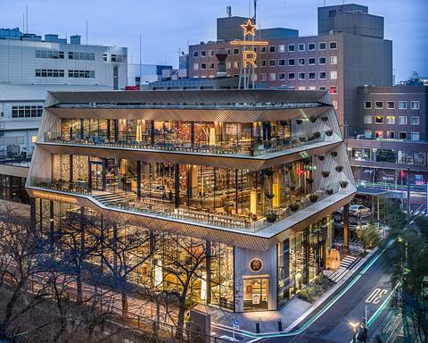 スターバックス リザーブ ロースタリー 東京」、1階~3階で楽しめる ...