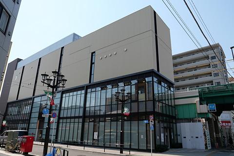 千代田線 北綾瀬駅でホーム10両...