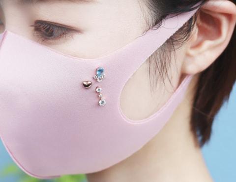 4℃が「マスク用ピアス」を発売。売上の一部を日本赤十字社へ寄付 ...