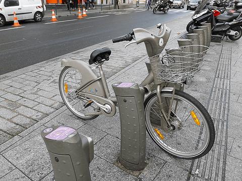 自転車の 自転車 変な音がする : スタシオンにガチャッと自転車 ...