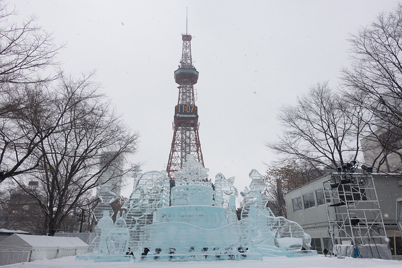 「第69回 さっぽろ雪まつり(69th SAPPORO SNOW FESTIVAL)」が開幕。「おそ松さん」や